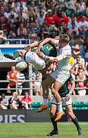 Twickenham, United Kingdom. 3rd June 2018, HSBC London Sevens Series. Game 38 Cup Semi Final. South Africa vs England. <br /> <br /> England's Harry GLOVER and RSA's, Dylan SAGE, contest the high ball, wirg neither taking advantage, during the Rugby 7's, match played at the  RFU Stadium, Twickenham, England, <br /> <br /> <br /> <br /> &copy; Peter SPURRIER/Alamy Live News