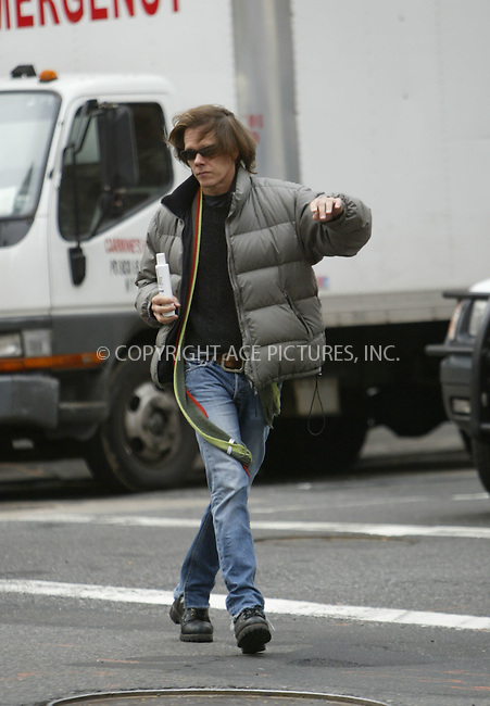 WWW.ACEPIXS.COM . . . . .  ....January 4 2006, New York City....***EXCLUSIVE, FEE MUST BE AGREED BEFORE USE***....Actor Kevin Bacon came out of a store on Madison Avenue with a bottle of blond hair-care product and hailed a cab.......Please byline: JENNIFER L GONZELES-ACEPIXS.COM.... *** ***..Ace Pictures, Inc:  ..Philip Vaughan (212) 243-8787 or (646) 769 0430..e-mail: info@acepixs.com..web: http://www.acepixs.com