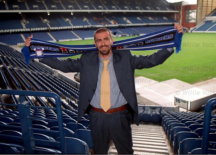 Sergio Porrini signs for Rangers