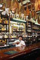 Spain, Catalonia, Barcelona: Las Caracoles (Tapas Bar) | Spanien, Katalonien, Barcelona: Las Caracoles (Tapas Bar)