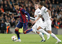 FC Barcelona's Neymar Jr (l) and Paris Saint-Germain's Marco Verratti (c) and Gregory Van der Wiel during Champions League 2014/2015 match.December 10,2014. (ALTERPHOTOS/Acero) /NortePhoto