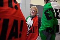 Voghera 16-04-2012: Comitato vittime dell'amianto di Casale Monferrato a Voghera, dove oggi è iniziato il processo contro l'azienda Fibronit di Broni..L'azienda ha lavorato amianto dal 1914 al 1994 a Broni (PV) causando, in proporzione per numero di abitanti, più vittime per mesotelioma pleurico di Casale Moferrato.
