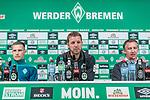 08.11.2018, Weserstadion, Bremen, GER, 1.FBL, PK SV Werder Bremen<br /> <br /> im Bild <br /> &Uuml;bersicht, Johannes Eggestein (Werder Bremen #24), Florian Kohfeldt (Trainer SV Werder Bremen), Frank Baumann (Gesch&auml;ftsf&uuml;hrer Fu&szlig;ball Werder Bremen), <br /> bei PK / Pressekonferenz vor dem Heimspiel gegen Borussia Moenchengladbach, <br /> <br /> Foto &copy; nordphoto / Ewert