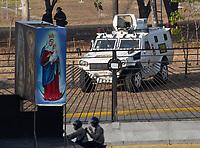 CARACAS- VENEZUELA , 30-04-2019.Levantamiento militar y ciudadano liderado  por Juan Guaidó y Leopoldo López en la base militar de La Carlota , contra el régimen de Nicolas Maduro , millones de venezolanos salieron a las calles a protestar y ponerle fin al dictador Maduro. / Military uprising and citizen led by Juan Guaidó and Leopoldo López in the military base of La Carlota, against the regime of Nicolas Maduro, millions of Venezuelans took to the streets to protest and put an end to the dictator Maduro. Photo: VizzorImage / Carolain Caballero / Contribuidor