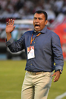 BARRANQUILLA- COLOMBIA -14 -02-2016: Harold Rivera, técnico de Patriotas FC, durante partido entre Atletico Junior y Patriotas FC, de la fecha 3 de la Liga Aguila I-2016, jugado en el estadio Metropolitano Roberto Melendez de la ciudad de Barranquilla./ Harold Rivera, coach of Patriotas FC, during a match between Atletico Junior and Patriotas FC, for date 3 of the Liga Aguila I-2016 at the Metropolitano Roberto Melendez Stadium in Barranquilla city, Photo: VizzorImage  / Alfonso Cervantes / Cont.