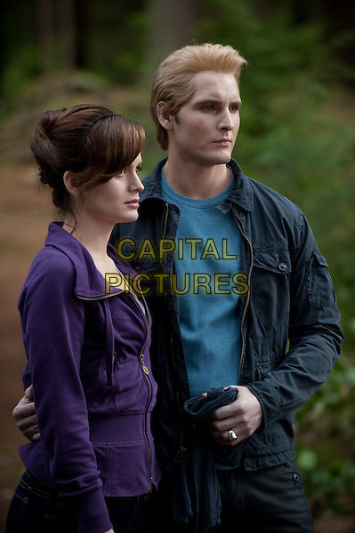Elizabeth Reaser, Peter Facinelli<br /> in The Twilight Saga: Eclipse (2010) <br /> (Twilight 3)<br /> *Filmstill - Editorial Use Only*<br /> FSN-D<br /> Image supplied by FilmStills.net
