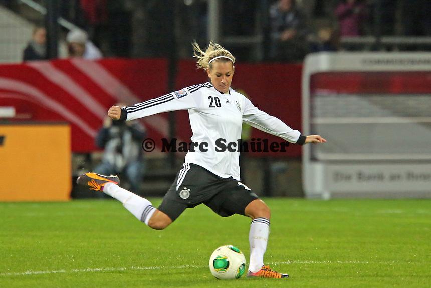 Lena Goeßling (D) - Deutschland vs. Kroatien, WM-Qualifikation, Frankfurter Volksbank Stadion