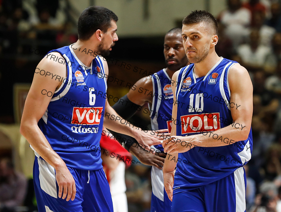 Kosarka-Play Off Final Game Two ABA League season 2017-2018<br /> Crvena Zvezda v Buducnost (Podgorica)<br /> Filip Barovic (L) and Nemanja Gordic<br /> Beograd, 10.04.2018.<br /> foto: Srdjan Stevanovic/Starsportphoto &copy;