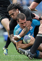 Rugby: test match Italia vs Nuova Zelanda. Roma, stadio Olimpico, 17 novembre 2012..Italy's Alberto Sgarbi, foreground, is tackled by New Zealand's Ma'a Nonu during an international rugby test match between Italy and New Zealand at Rome's Olympic stadium, 17 November 2012..UPDATE IMAGES PRESS/Riccardo De Luca