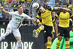 06.10.2018, Signal Iduna Park, Dortmund, GER, DFL, BL, Borussia Dortmund vs FC Augsburg, DFL regulations prohibit any use of photographs as image sequences and/or quasi-video<br /> <br /> im Bild Kopfball / Kopfballduell Andre Hahn (#28, FC Augsburg) Maximilian Philipp (#20, Borussia Dortmund) <br /> <br /> Foto &copy; nph/Horst Mauelshagen