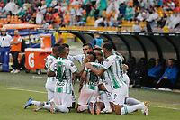 MEDELLIN - COLOMBIA, 22-02-2020: Jefferson Duque del Nacional celebra con sus compañeros después de anotar el segundo gol de su equipo al Medellín durante partido por la fecha 6 entre Deportivo Independiente Medellín y Atlético Nacional como parte de la Liga BetPlay DIMAYOR I 2020 jugado en el estadio Atanasio Girardot de la ciudad de Medellín. / Jefferson Duque of Nacional celebrates with his teammates after scoring the second goal of his team to Medellin during Match for the date 6 between Deportivo Independiente Medellin and Atletico Nacional as a part BetPlay DIMAYOR League I 2020 played at Atanasio Girardot stadium in Medellin city. Photo: VizzorImage / Donaldo Zuluaga / Cont