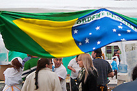 """ATENCAO EDITOR: FOTO EMBARGADA PARA VEICULOS INTERNACIONAIS - BUENOS AIRES, ARGENTINA, 16 SETEMBRO 2012 - FESTA BRASILEIRA BUENOS AIRES - Pela segunda vez, a comunidade do Brasil foi homenageado na cidade como parte do evento de Buenos Aires comemora. Organizado pela Prefeitura com a Associação Civil de Intercâmbio Cultural """"Eu câmara Eu Vou"""", com o apoio da Embaixada e do Consulado do Brasil, Buenos Aires festeja o Brasil teve estandes de restaurantes, bares e artesanato do Brasil e música ao vivo. FOTO: PATRICIO MURPHY - BRAZIL PHOTO PRESS."""