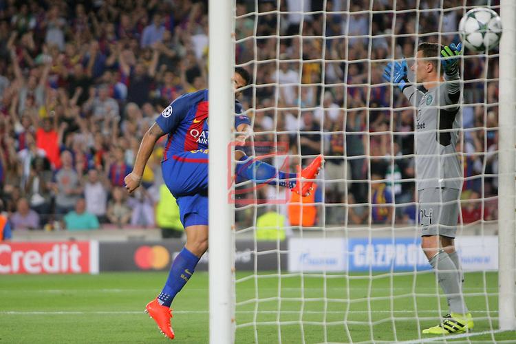 UEFA Champions League 2016/2017 - Matchday 1.<br /> FC Barcelona vs Celtic FC: 7-0.<br /> Luis Suarez &amp; Dorus de Vries.