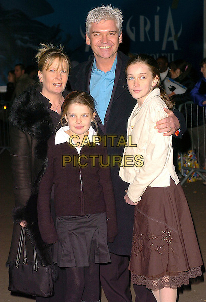 PHILI SCHOFIELD & FAMILY.Cirque Du Soleil: Alegria - press night at the Royal Albert Hall, London, UK..January 5th, 2006.Ref: CAN.half length Phillip kids children.www.capitalpictures.com.sales@capitalpictures.com.©Capital Pictures