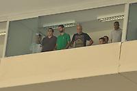 SÃO PAULO, SP, 14 DE JANEIRO DE 2012 - AMISTOSO INTERNACIONAL - PALMEIRAS X AJAX (HOL) - Goleiro Marcos (c) assiste o jogo do camarote antes da partida amistosa entre Palmeiras x Ajax (Hol) realizada no Estádio do Pacaembú. FOTO: LEVI BIANCO - NEWS FREE