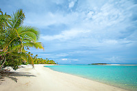 One Foot Island beach in Aitutaki Lagoon, Aitutaki Atoll, Cook Islands.