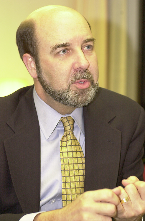 RC20000228-332-IW: February 28, 2000: Deputy Secretary of Energy T.J. Glauthier.               Ian Wagreich/Roll Call