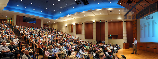 Sprint CEO Dan Hesse speaks at Boardroom Insights, Sept. 3, 2009...Photo by Matt Cashore/University of Notre Dame