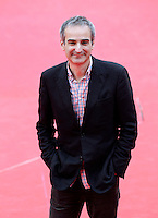 "Il regista francese Olivier Assayas posa sul red carpet per la presentazione del suo film ""Carlos"", al Festival Internazionale del Film di Roma, 2 novembre 2010..French director Olivier Assayas poses on the red carpet to present his movie ""Carlos"" during the Rome Film Festival at Rome's Auditorium, 2 november 2010..UPDATE IMAGES PRESS/Riccardo De Luca"