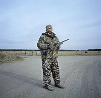 Web Editor for Ducks Unlimited Chris Jennings (cq) during a hunt near Grand Island, Nebraska, Friday, December 2, 2011. ..Photo by Matt Nager