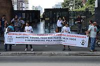 SAO PAULO, 30 DE MARCO DE 2013 - MANIFESTACAO DESAPARECIDOS - Integrantes da ONG Mães da Sé e parentes de desaparecidos fazem manifestação na Avenida Paulista na tarde deste sabado, 30, região central da capital. Manifestantes divulga um  Projeto de Lei de Iniciativa Popular pela Pessoa Desaparecida para auxílio e medidas governamentais na busca de desaparecidos. Segundo o site, a cada 11 minutos uma pessoa desaparece no Brasil.  (FOTO: ALEXANDRE MOREIRA / BRAZIL PHOTO PRESS)