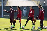 Trainer Niko Kovac (Eintracht Frankfurt) mit Makoto Hasebe (Eintracht Frankfurt), Ante Rebic (Eintracht Frankfurt), Alexander Meier (Eintracht Frankfurt), Shani Tarashaj (Eintracht Frankfurt) - 14.02.2017: Eintracht Frankfurt Training, Commerzbank Arena