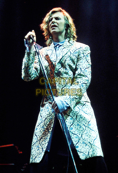 DAVID BOWIE.stage, concert, live, singing.Ref: 9808.www.capitalpictures.com.sales@capitalpictures.com.© Capital Pictures