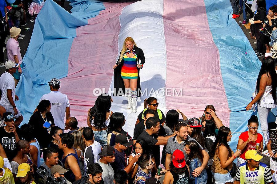 Passeata Parada do Orgulho LGBT, Parada Gay na avenida Paulista. Sao Paulo. 2016. Foto de Euler Paixao.