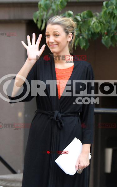 July 17, 2012 Blake Lively shooting on location for Gossip Girl  in New York City.Credit:&copy; RW/MediaPunch Inc. /NortePhoto.com<br /> **CREDITO*OBLIGATORIO** *No*Venta*A*Terceros*.*No*Sale*So*third* ***No*Se*Permite*Hacer Archivo***No*Sale*So*third*&Acirc;&copy;Imagenes*con derechos*de*autor&Acirc;&copy;todos*reservados*