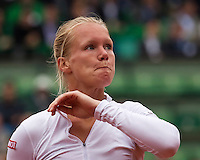 Paris, France, 03 June, 2016, Tennis, Roland Garros, Semifinal women, Kiki Bertens (NED) gets emotional in her match against Serena Williams (USA)<br /> Photo: Henk Koster/tennisimages.com
