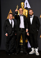 Michael J. Fox, John Gilbert &amp; Seth Rogen in the photo room at the 89th Annual Academy Awards at Dolby Theatre, Los Angeles, USA 26 February  2017<br /> Picture: Paul Smith/Featureflash/SilverHub 0208 004 5359 sales@silverhubmedia.com