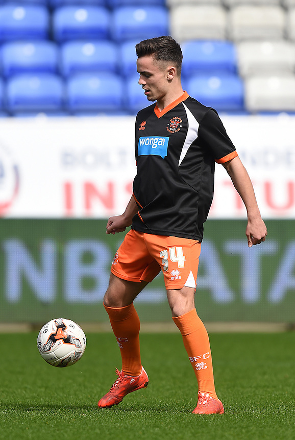 Blackpool's Dom Telford warms up<br /> <br /> Photographer Dave Howarth/CameraSport<br /> <br /> Football - The Football League Sky Bet Championship - Bolton Wanderers v Blackpool - Saturday 4th April 2015 - Macron Stadium - Bolton<br /> <br /> &copy; CameraSport - 43 Linden Ave. Countesthorpe. Leicester. England. LE8 5PG - Tel: +44 (0) 116 277 4147 - admin@camerasport.com - www.camerasport.com