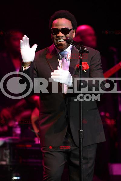 HOLLYWOOD FL - JULY 2 : Al Green performs at Hard Rock Live held at the Seminole Hard Rock Hotel &amp; Casino on July 2, 2012 in Hollywood, Florida. &copy;&nbsp;mpi04/MediaPunch Inc /*NORTEPHOTO.COM*<br /> *SOLO*VENTA*EN*MEXiCO* *CREDITO*OBLIGATORIO** *No*Venta*A*Terceros* *No*Sale*So*third* ***No Se*Permite*Hacer*Archivo** *No*Sale*So*third