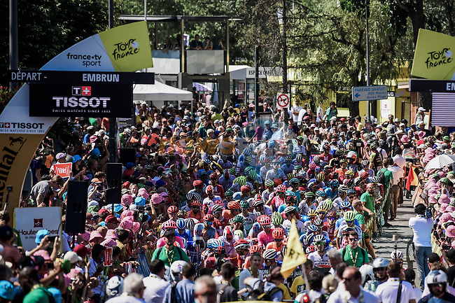 156 riders ready to start Stage 18 of the 2019 Tour de France running 208km from Embrun to Valloire, France. 25th July 2019.<br /> Picture: ASO/Pauline Ballet | Cyclefile<br /> All photos usage must carry mandatory copyright credit (© Cyclefile | ASO/Pauline Ballet)