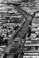 View shows the path of the former Cypress freeway in West Oakland, Ca. The double-decked freeway was destroyed during the Oct 17,1998 Loma Prieta Earthquake. (photo by Ron Riesterer/Oakland Tribune