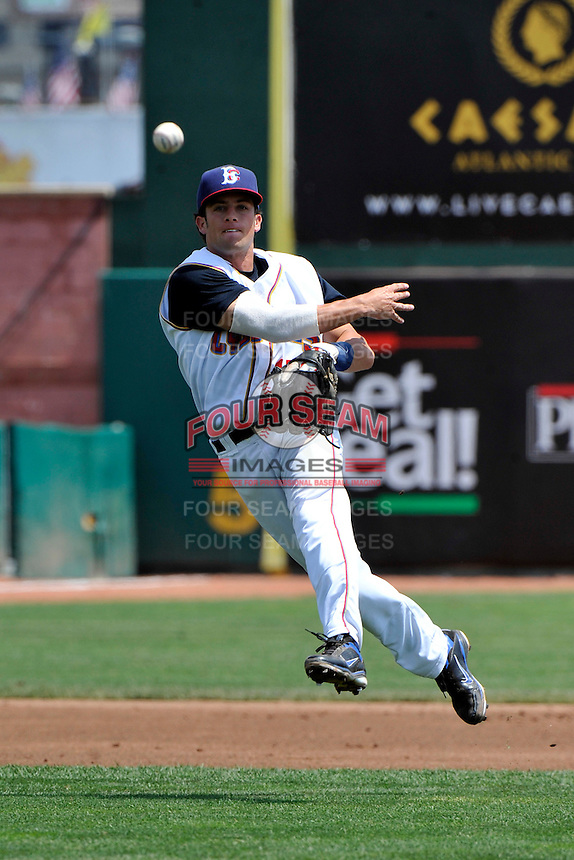 Brooklyn Cyclones shortstop Danny Muno (15) during game against the Williamsport Crosscutters at MCU Park on August 3, 2011 in Brooklyn, NY.  Brooklyn defeated Williamsport 3-2.  Tomasso DeRosa/Four Seam Images