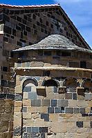 Romanisch-Pisanische Kirche (12.Jh.)  in Aregno in der Balagne, Korsika, Frankreich
