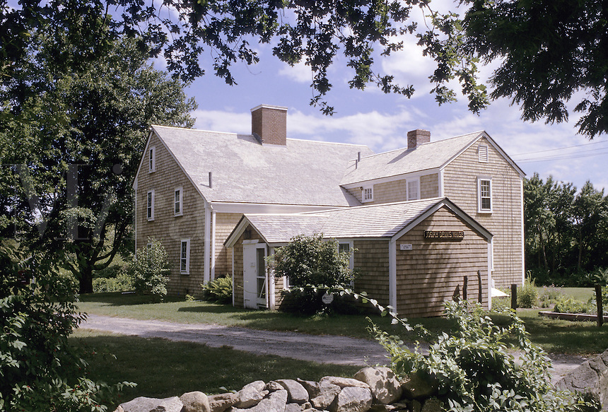 East Dennis, Massachusetts.The historic Josiah Dennis manse, (built 1736) in East Dennis, Cape Cod, Massachusetts