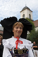 Europe/France/Alsace/67/Bas-Rhin/ Marlenheim: Femme en costume traditionnel lors  de la Fête du Mariage de l'Ami Fritz