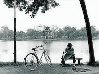 Am Hoang-Kiem See in Hanoi, Vietnam 1991