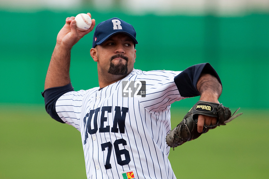 10 october 2009: Keino Perez of Rouen pitches against Savigny during game 4 of the 2009 French Elite Finals won 7-2 by Huskies of Rouen over Lions of Savigny, at Stade Jean Moulin stadium in Savigny sur Orge, near Paris, France. Rouen wins the 2009 France championship, his sixth title.