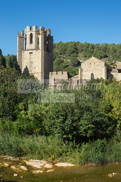 France, Aude (11), Lagrasse, labellisé Les Plus Beaux Villages de France, l'abbaye Sainte-Marie de Lagrasse //   France, Aude, Lagrasse, labelled Les Plus Beaux Villages de France (The Most Beautiful Villages of France), Sainte Marie de Lagrasse Abbey