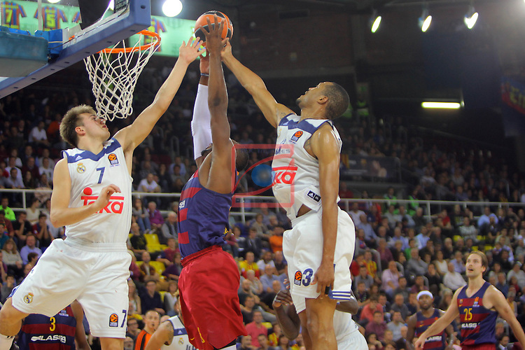 Turkish Airlines Euroleague 2016/2017.<br /> Regular Season - Round 8.<br /> FC Barcelona Lassa vs R. Madrid: 63-102.<br /> Luka Doncic, Joey Dorsey &amp; Anthony Randolph.