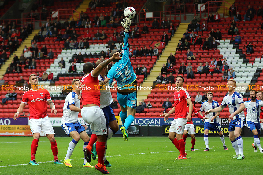 Chesterfield goalkeeper, Ryan Fulton, makes a fine save during Charlton Athletic vs Chesterfield, Sky Bet EFL League 1 Football at The Valley on 29th October 2016