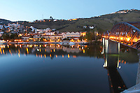 Pinhao town and douro river vintage house hotel pinhao douro portugal