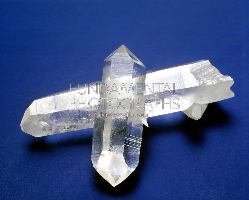 QUARTZ ROCK CRYSTAL<br /> Twinned Crystal<br /> SiO2;  Silicate<br />  Hexagonal-Trigonal trapezohedral crystal form