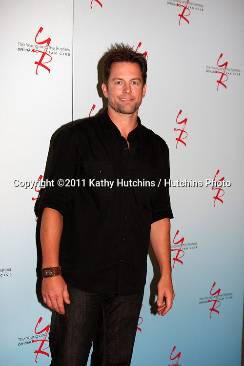 LOS ANGELES - AUG 26:  Michael Muhney attending the Young & Restless Fan Dinner 2011 at the Universal Sheraton Hotel on August 26, 2011 in Los Angeles, CA