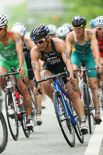Hirokatsu Tayama (JPN), <br /> MAY 16, 2015 - Triathlon : <br /> 2015 ITU World Triathlon Series Yokohama <br /> Men's Elite <br /> in Yokohama city, Kanagawa, Japan. <br /> (Photo by YUTAKA/AFLO SPORT)