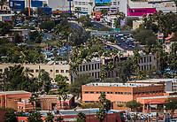 Vista panor&aacute;mica de edificios:  Rector&iacute;a de la Universidad de Sonora, Centro de las Artes, Bulevar Luis Encinas, Puente Peatonal, Liverpool, Cinemex , Office Depot, Banamex, museo y Biblioteca de la unison, Sambors.<br />  27FEB2018 (Foto:Luis Gutierrez/NortePhoto.com)<br /> ....<br /> ....<br /> pclaves: Calle, panoramica, educacion, ciudad, capital, urbe, modernidad, c&eacute;ntrico, Arquitectura, ara, arquitect&oacute;nico, plano de la ciudad, trazo de la ciudad, trafico, congestionamiento vial, crecimiento, tiempo, progreso, capital de sonora, Sonora, Hermosillo, Mexico, d&iacute;a, luz de d&iacute;a, fachada,2018,