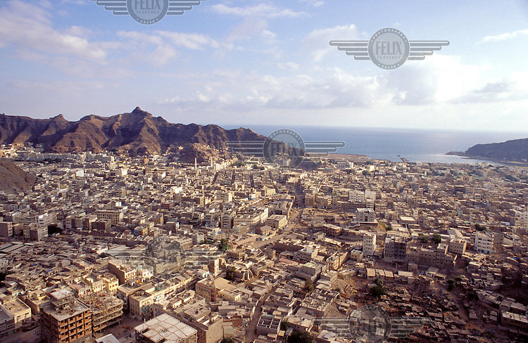 © Chris Stowers / Panos Pictures..Aden, YEMEN..Overview of the 'Crater' district of the city.